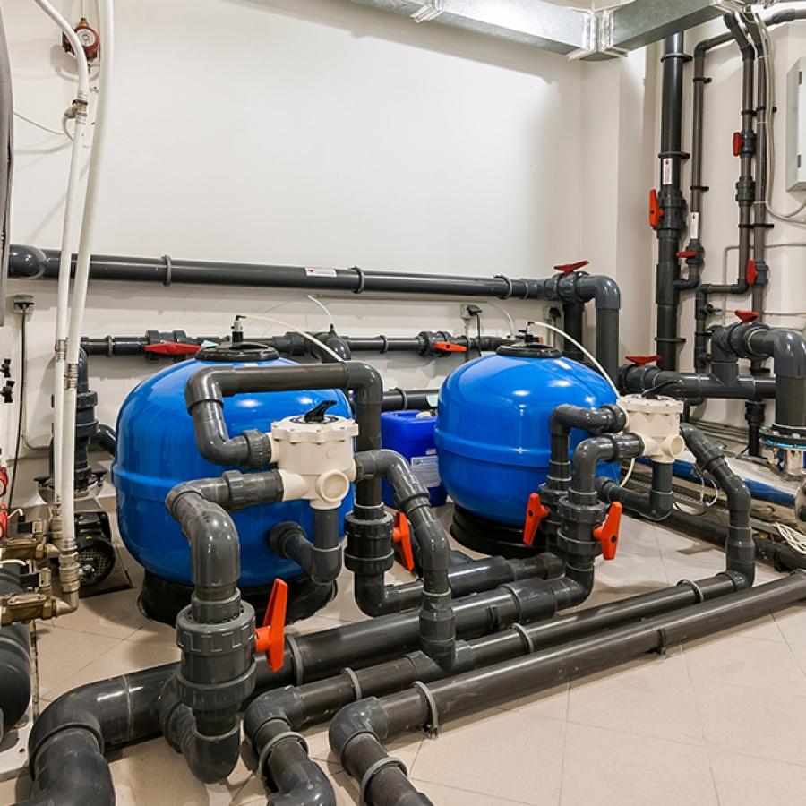 Instalación, mantenimiento y reparación piscinas y sistemas de riego.